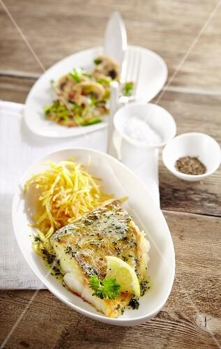 Fried zander fillet with a mushroom and leek medley