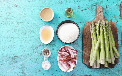 Ingredients for grilled asparagus with bacon and Parmesan cheese