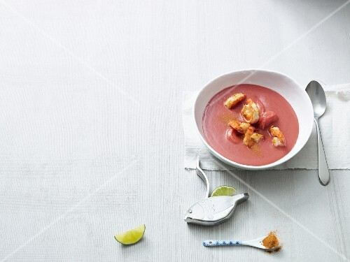 Beetroot soup with prawns and mango (Paleo diet)