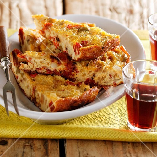 Frittata with dried tomatoes and olives