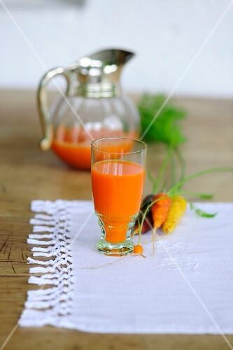 Freshly pressed carrot juice
