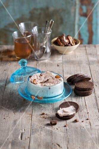 Vegan walnut and date cream cheese