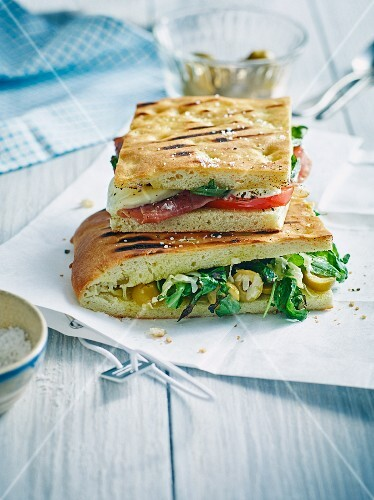 Grilled focaccia with mozzarella and rocket