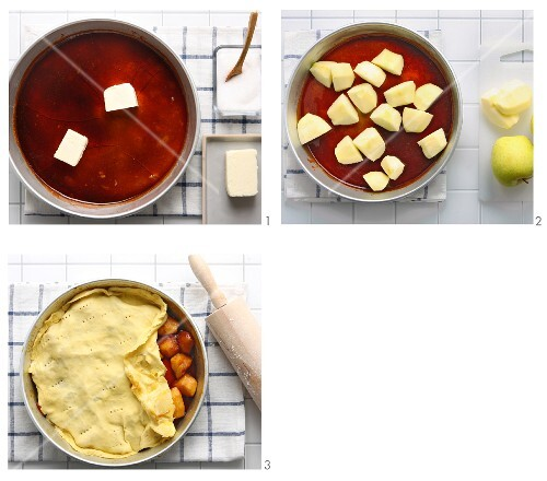 Tarte tatin being made