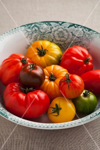 Colourful tomatoes in a bowl