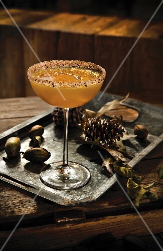 Bourbon cocktail with orange and cloves