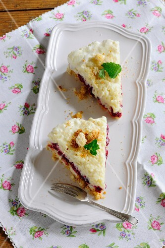 Two slices of rice cake with berries
