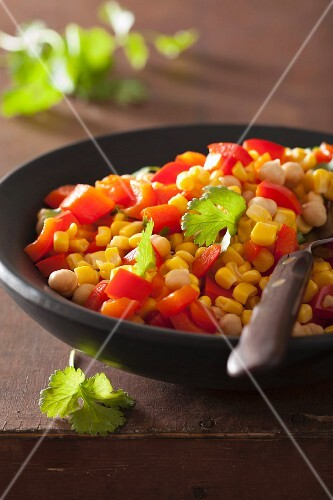 Sweetcorn salad with chickpeas and peppers