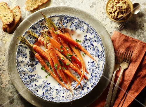 Braised carrots with parsley