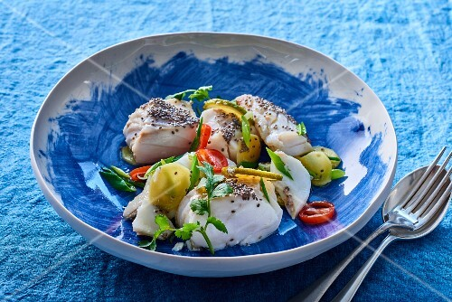 Steamed cod with poppy seeds, chilli and ginger