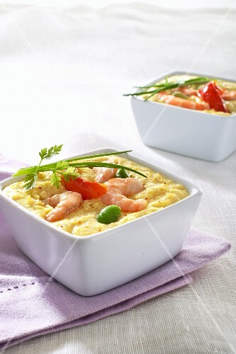 Mini bakes with egg, prawns and vegetables