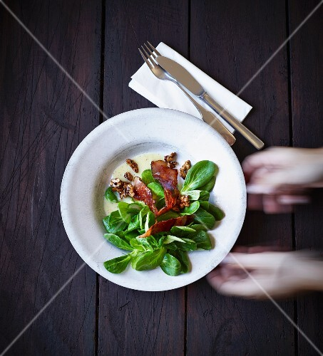 Lambs lettuce with bacon