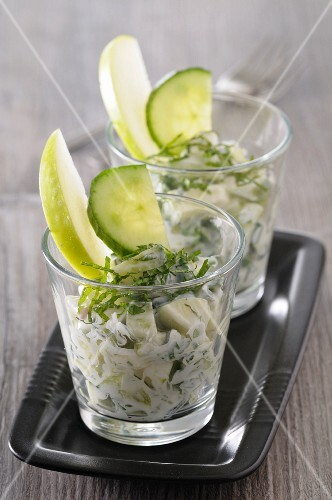 Tzatziki with cucumber and green apple