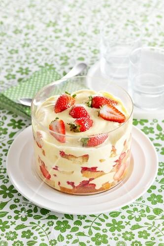 Vanilla cream trifle with strawberries