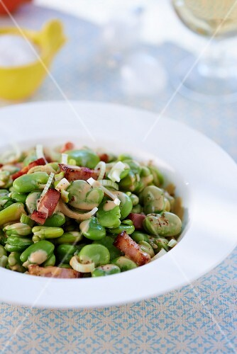 Fava beans with bacon and onions