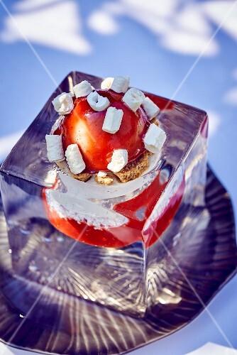 Strawberry ice cream with meringue pieces