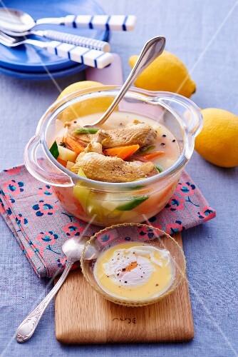 Pot au feu with chicken and lemon (Greece)