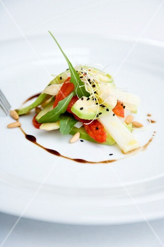 White asparagus salad with avocado and oven-roasted tomatoes