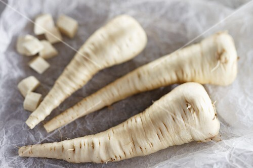 Parsnips, whole and diced