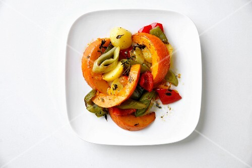 Autumnal oven-roasted vegetables with lemon tyme