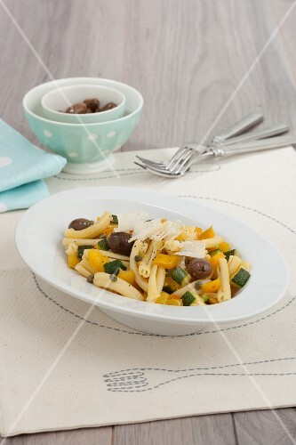Caserecce vegetariane (pasta with vegetables, Italy)