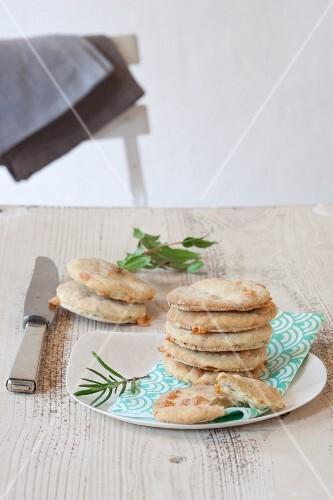 Focaccine alle erbe (mini unleavened bread with herbs, Italy)