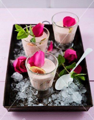 Smoothies made with rosewater, figs and coconut for Valentine's Day