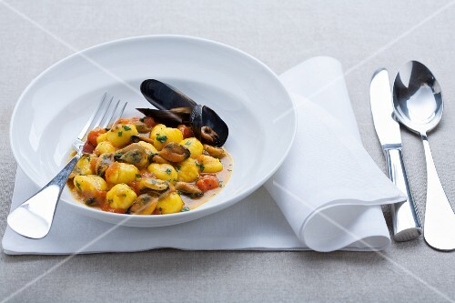Mussels in a saffron broth with gnocchi