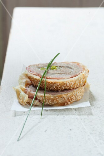 Pork fillet in pastry with sesame seeds