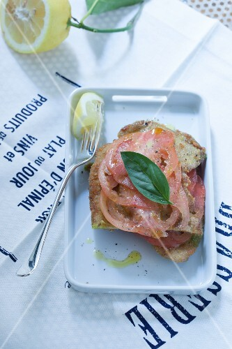 Vitello al limone (veal with lemon, Italy)