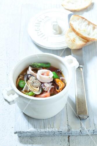 Brodetto Frutti di Mare (Italian seafood soup, Italy)