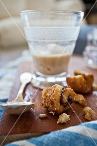 Mini cinnamon buns with iced coffee