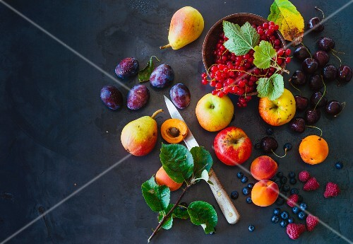An arrangement of of local fruit (Paleo)