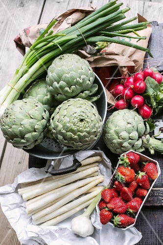 Artichokes, asparagus, strawberries, radishes and spring onions