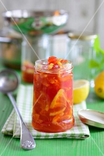 Tomato chutney with oranges