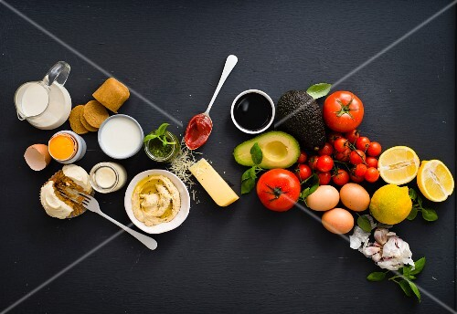 An arrangement of food that can be frozen