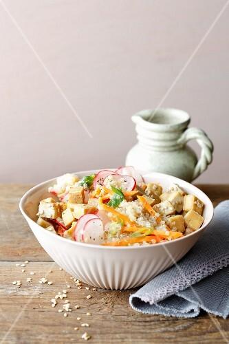 Vegan quinoa salad with vegetables, tofu and miso dressing (simple glyx)