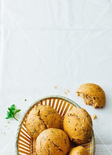 Spelt and herb rolls with wild garlic