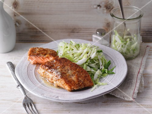 Salmon fillet with an almond crust with coleslaw