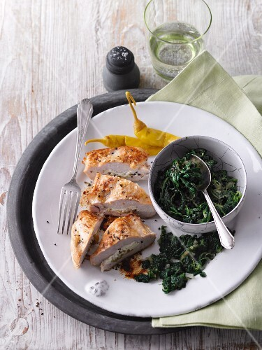 Stuffed chicken breast with spinach (LCHF)