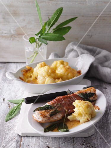 Saltimbocca with gratinated cauliflower