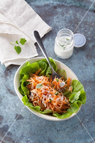 Raw carrot salad with apples (post fasting)