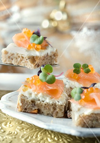 Salmon canapés with wholemeal toast and cream cheese