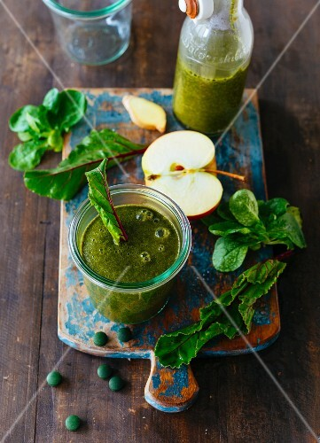 A green smoothie with fruit and vegetables