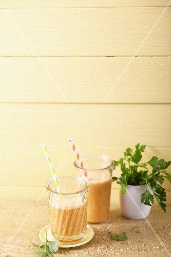 Banana and pineapple smoothies with aloe vera and carrot juice