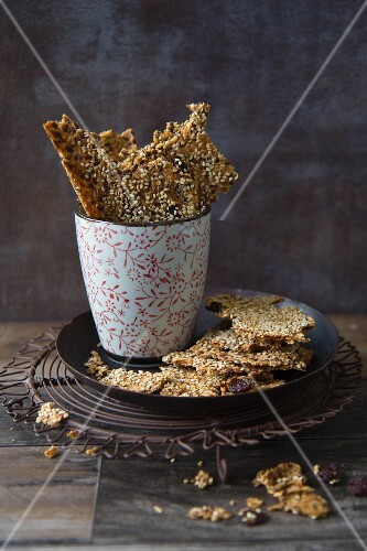 Crackers with sesame seeds and raisins