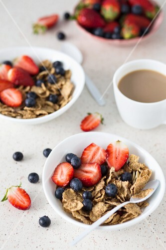 Wholemeal muesli with fruit