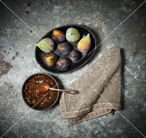 Fig jam with fresh figs