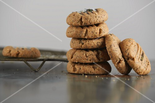 Buckwheat cookies with peanut butter and rosemary
