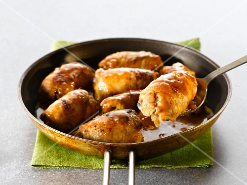 Chicken roulade with onion sauce